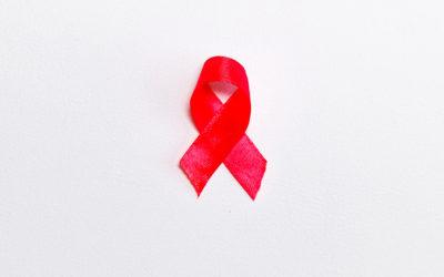 40 ans après les premiers cas de sida en Occident, l'épidémie est toujours là, malgré des progrès conséquents
